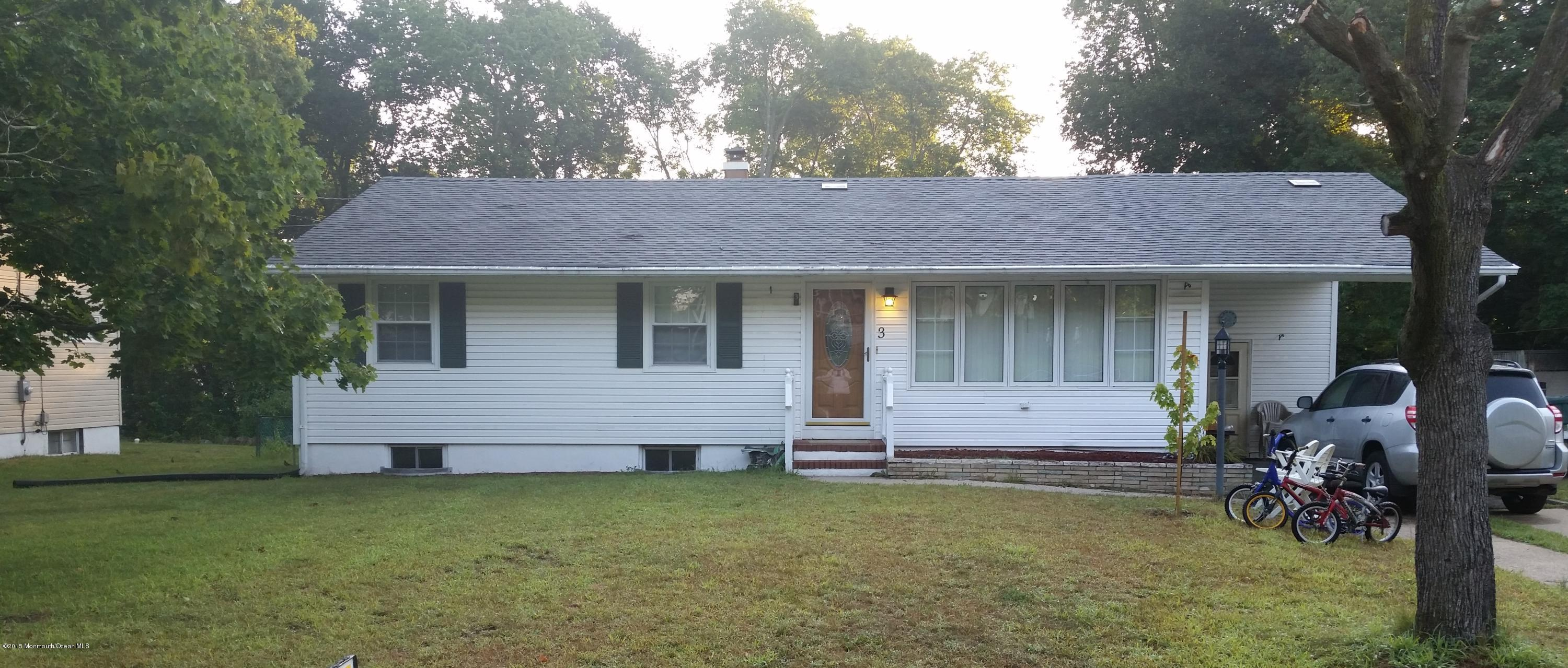 Photo of home for sale at 3 Cathedral Drive Drive, Lakewood NJ
