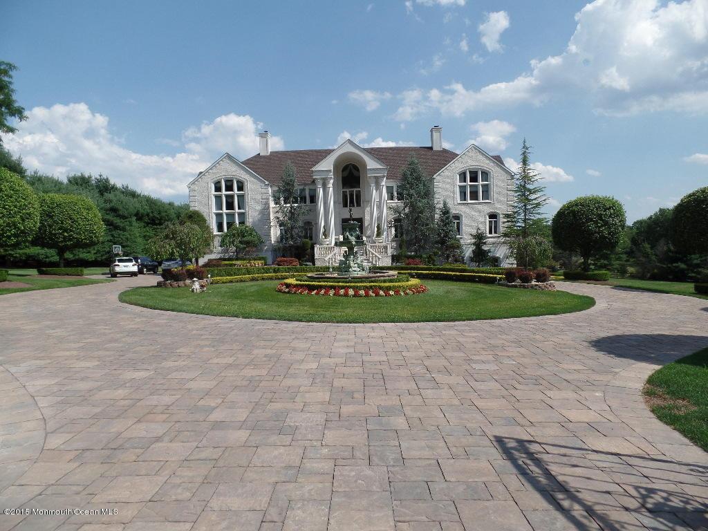 Photo of home for sale at 404 Fawns Run Run, Marlboro NJ