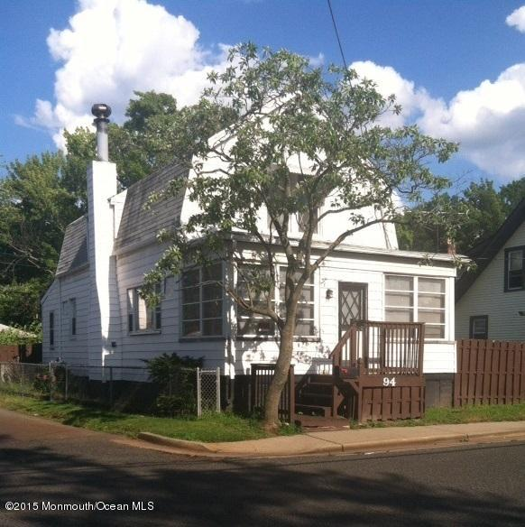 Photo of home for sale at 94 Forest Avenue Avenue, Keansburg NJ