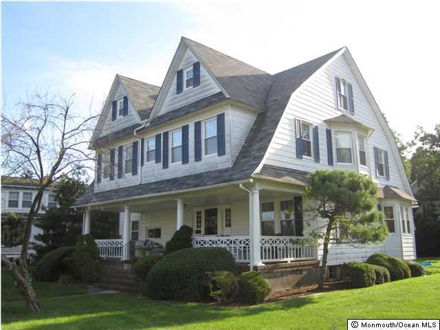 Photo of home for sale at 2009 1st Avenue Avenue, Spring Lake NJ