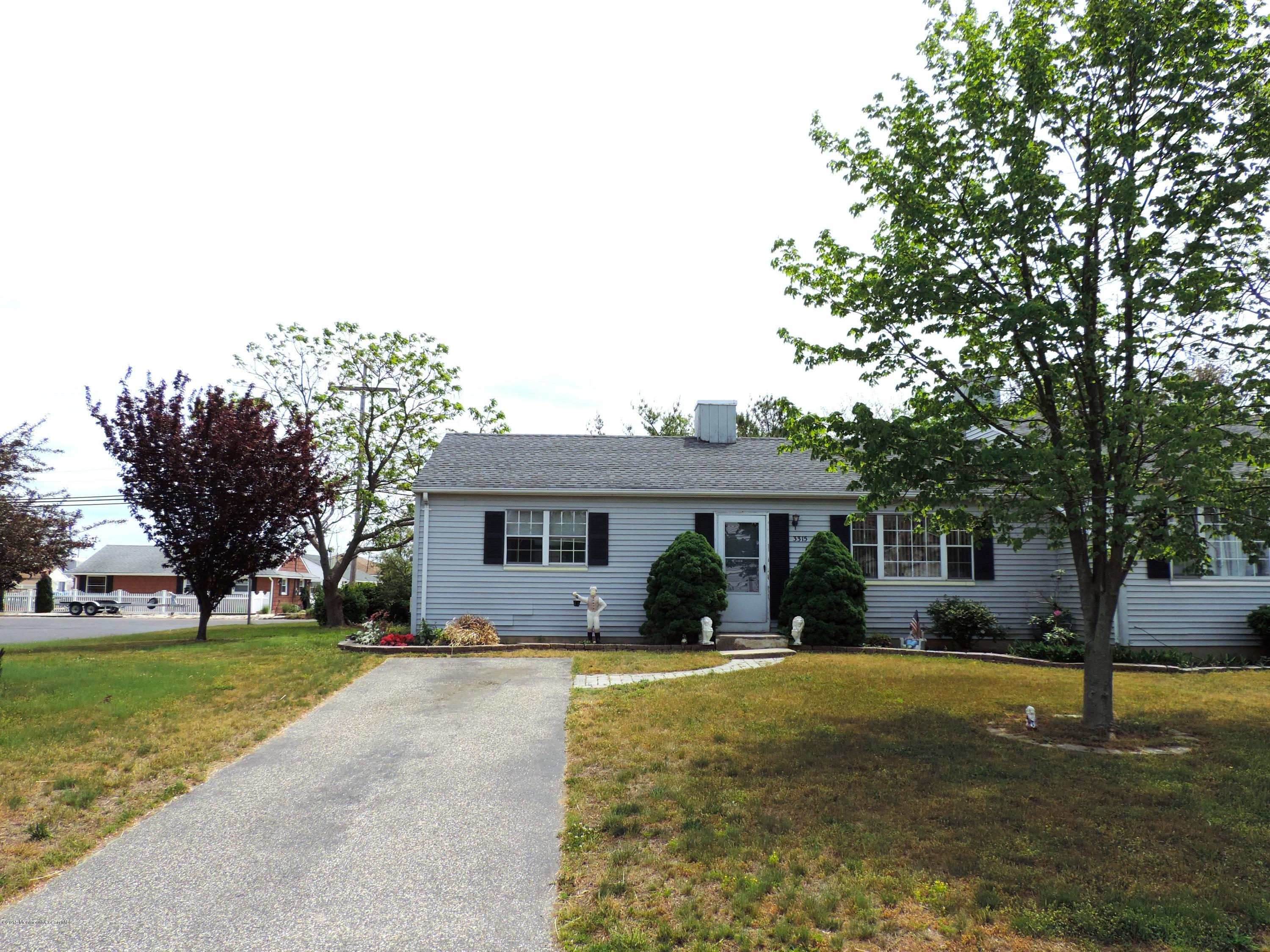 Photo of home for sale at 3315 Mystic Port Place Place, Toms River NJ