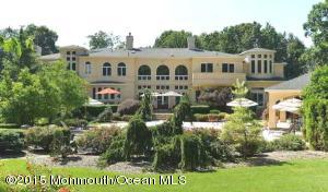 Photo of home for sale at 8 Robbins Nest Drive Drive, Millstone NJ