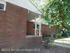 Photo of home for sale at 28 Lloyd Road Road, Morganville NJ
