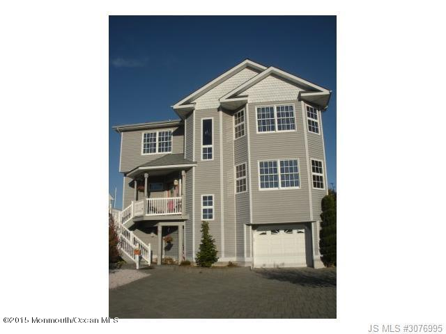 Photo of home for sale at 83 Ocean Boulevard Boulevard, Little Egg Harbor NJ
