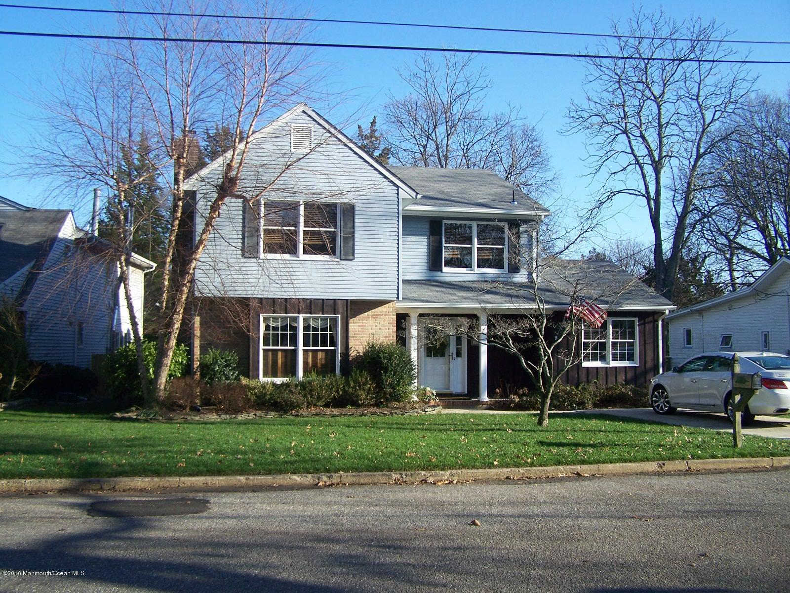 Photo of home for sale at 1312 Cottage Place, Point Pleasant NJ