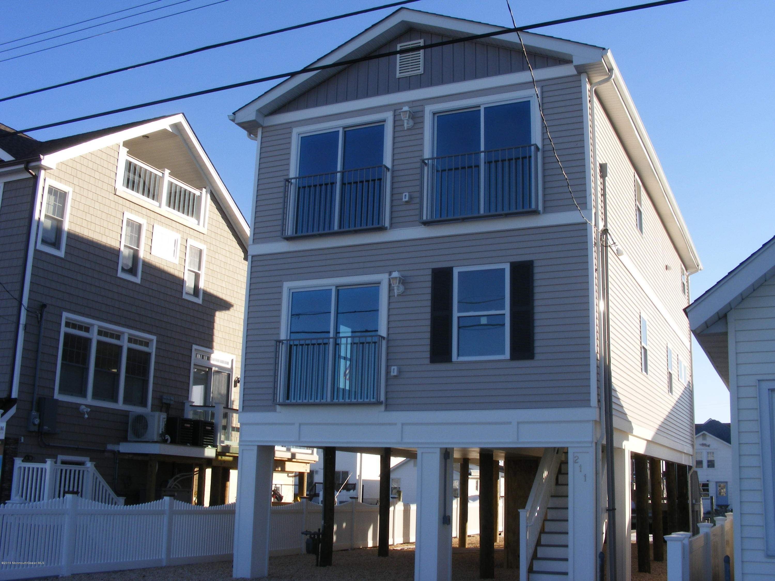 Photo of home for sale at 211 O Street Street, Seaside Park NJ