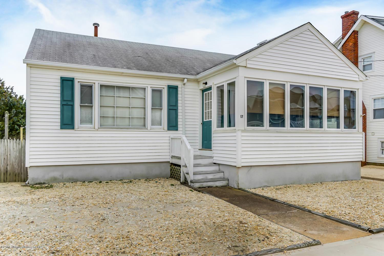 Photo of home for sale at 15 Brighton Avenue Avenue, Seaside Park NJ