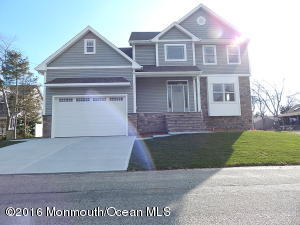 Photo of home for sale at 18 Starboard Avenue Avenue, Beachwood NJ