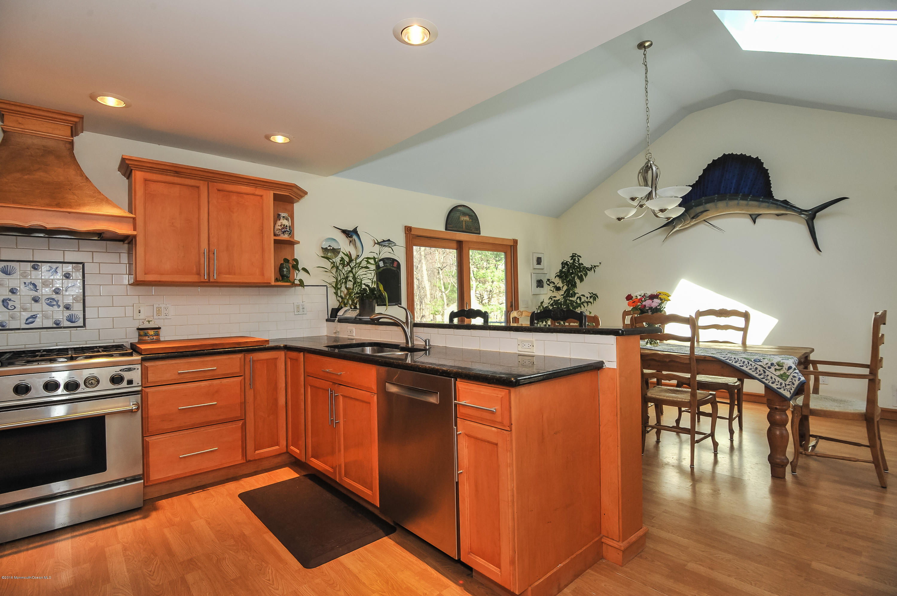 Photo of home for sale at 5 White Birch Lane Lane, Holmdel NJ