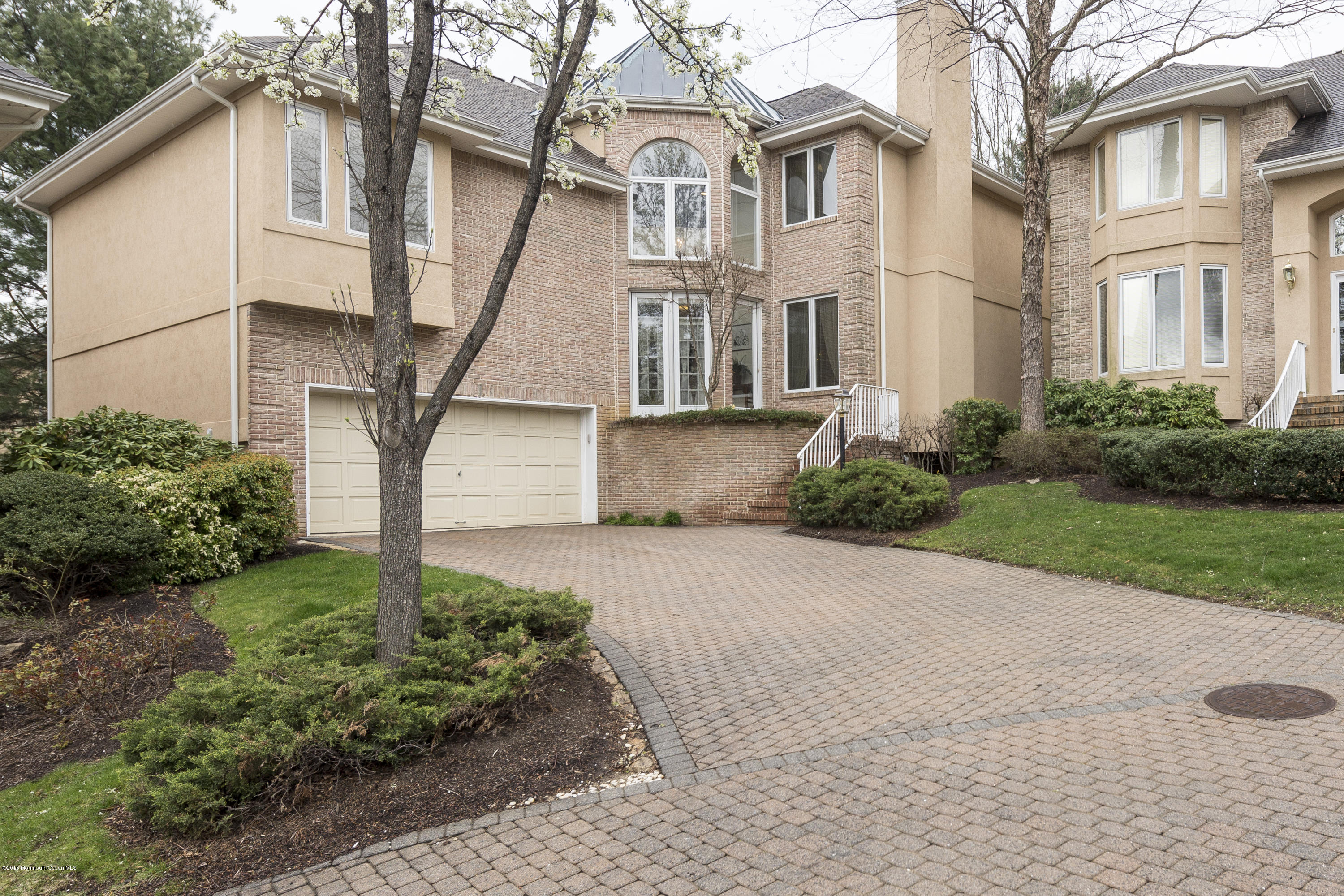 Photo of home for sale at 67 Laguna Hills Court Court, Holmdel NJ