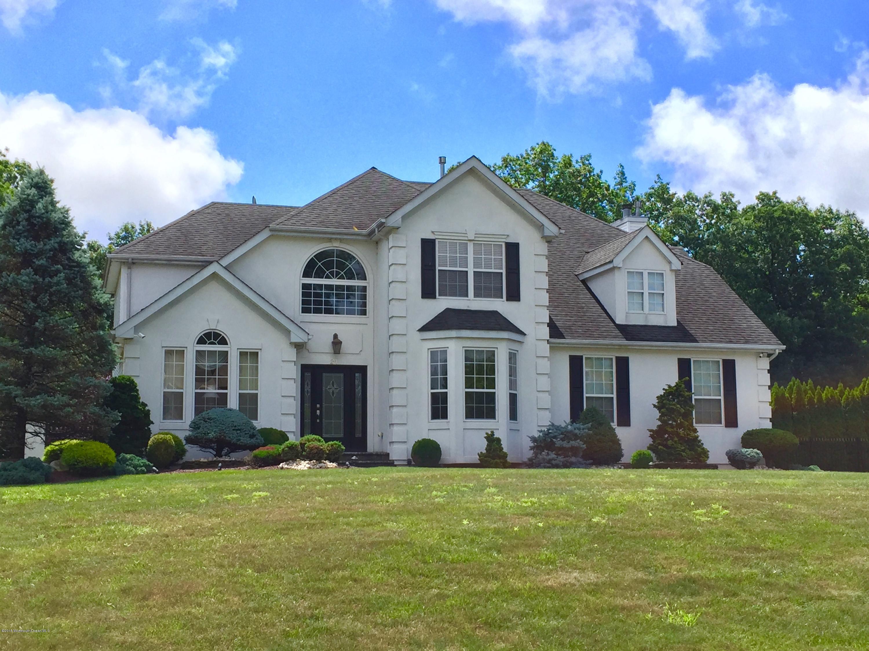 Photo of home for sale at 21 Emma Lane Lane, Jackson NJ