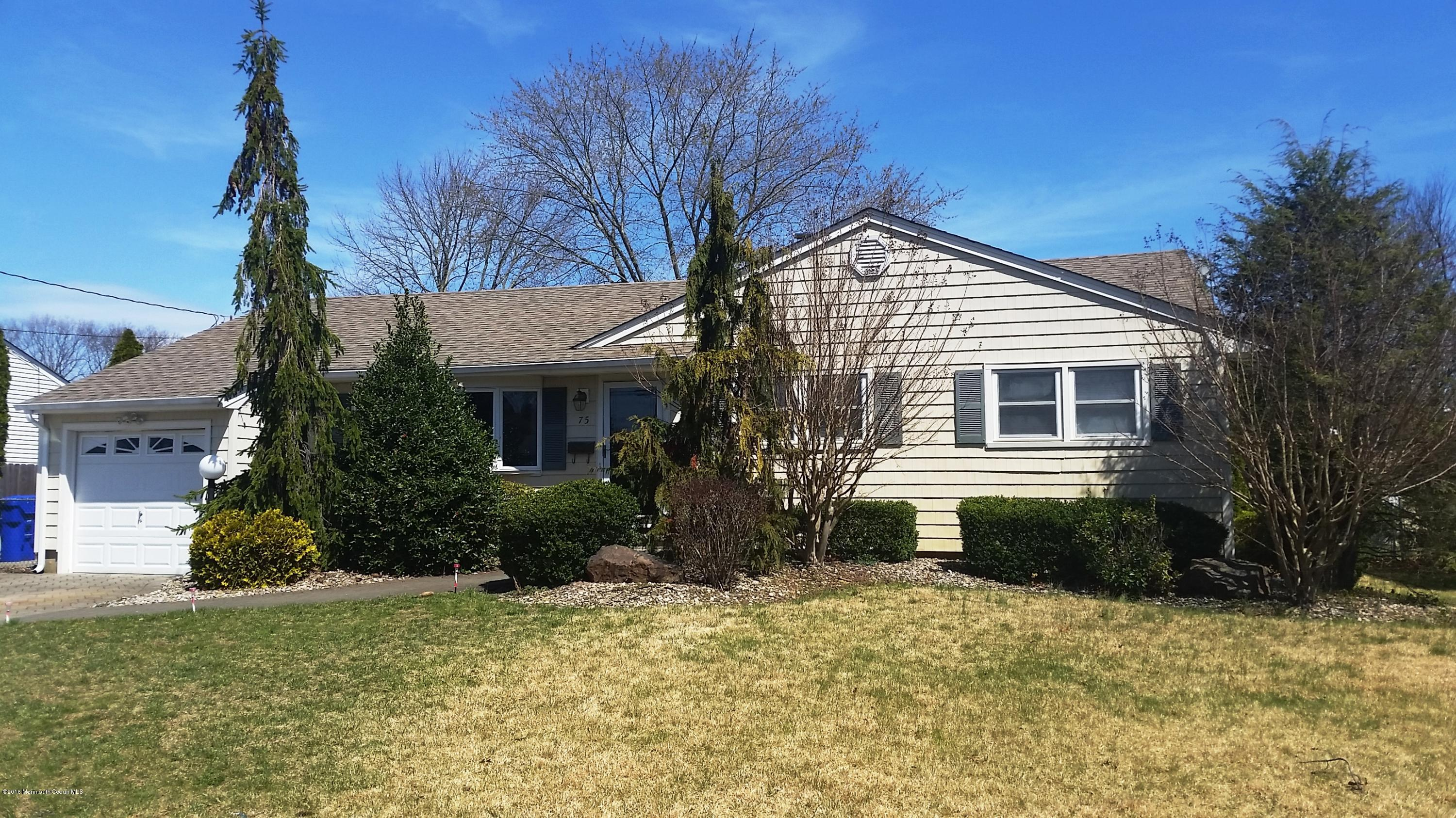 Photo of home for sale at 75 Nottingham Drive Drive, Brick NJ