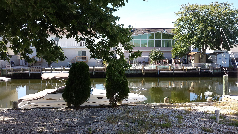 Photo of home for sale at 3457 Bergen Avenue Avenue, Toms River NJ