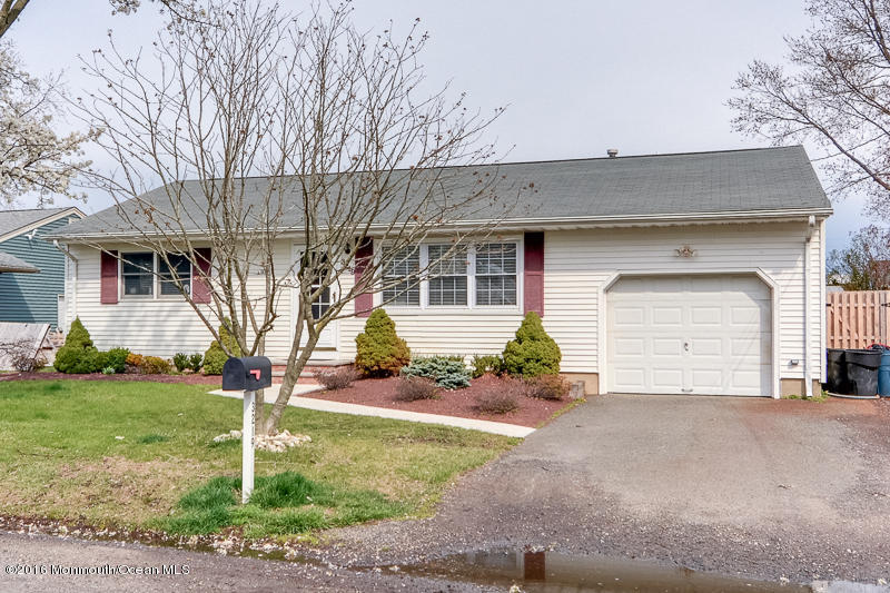 Photo of home for sale at 3219 Mattapan Avenue Avenue, Point Pleasant NJ