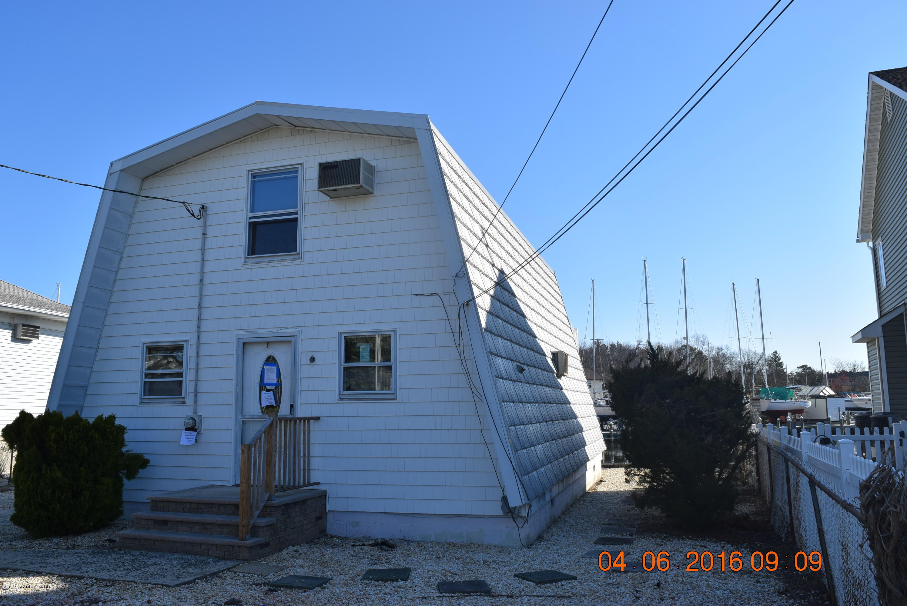Photo of home for sale at 103 Cedar Run Road Road, Bayville NJ