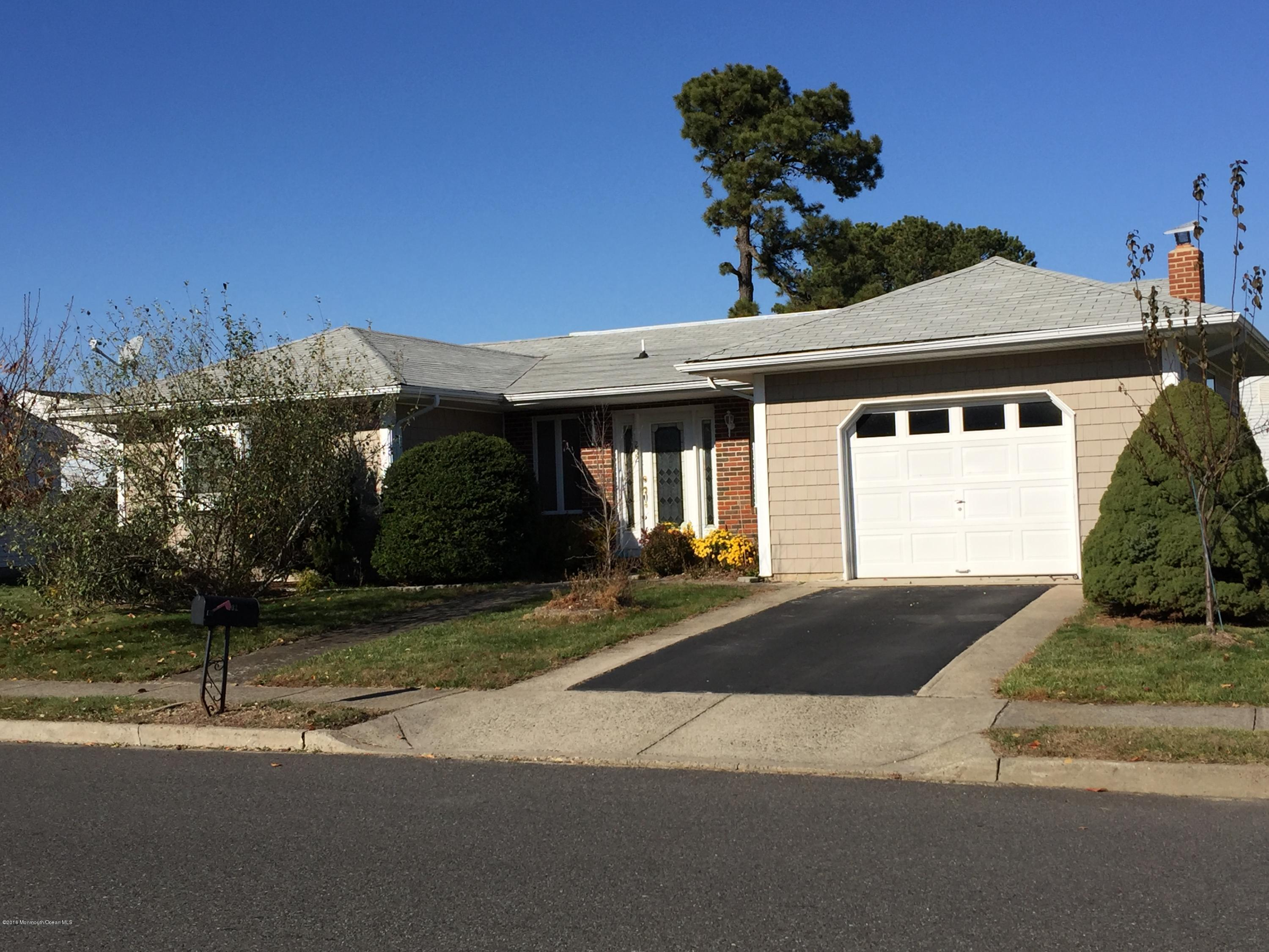 Photo of home for sale at 232 Freeport Boulevard Boulevard, Toms River NJ