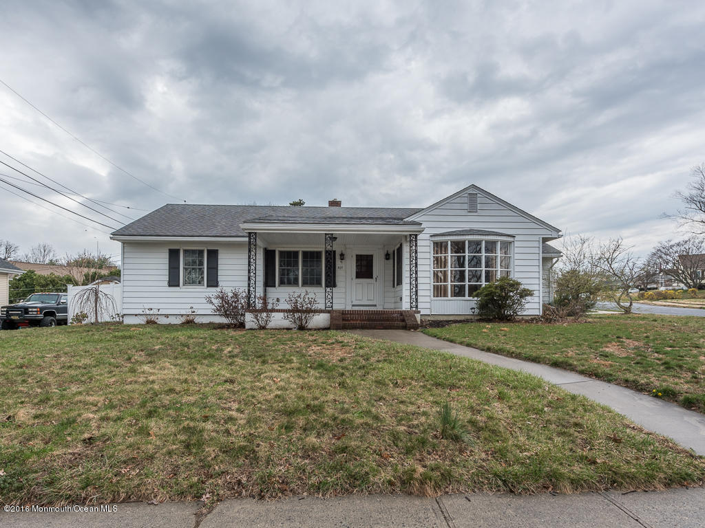 Photo of home for sale at 409 Wakefield Road Road, Neptune Township NJ