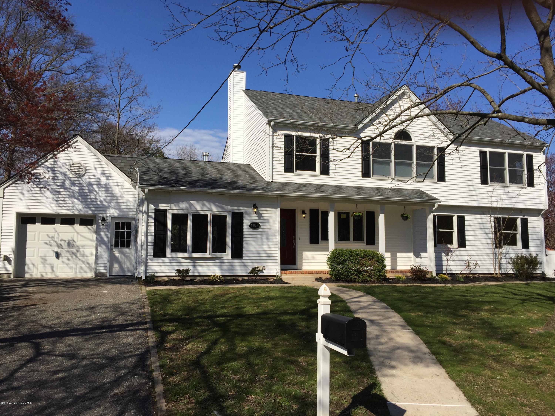 Photo of home for sale at 1106 Minnehaha Trail Trail, Manasquan NJ