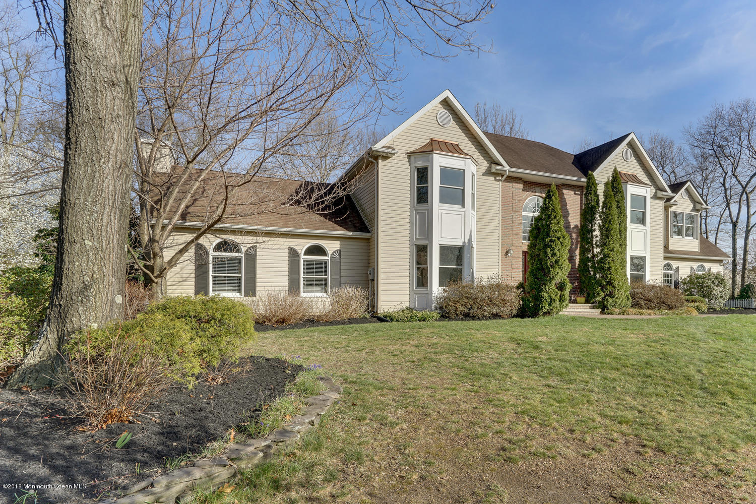 Photo of home for sale at 2123 Orien Road Road, Toms River NJ