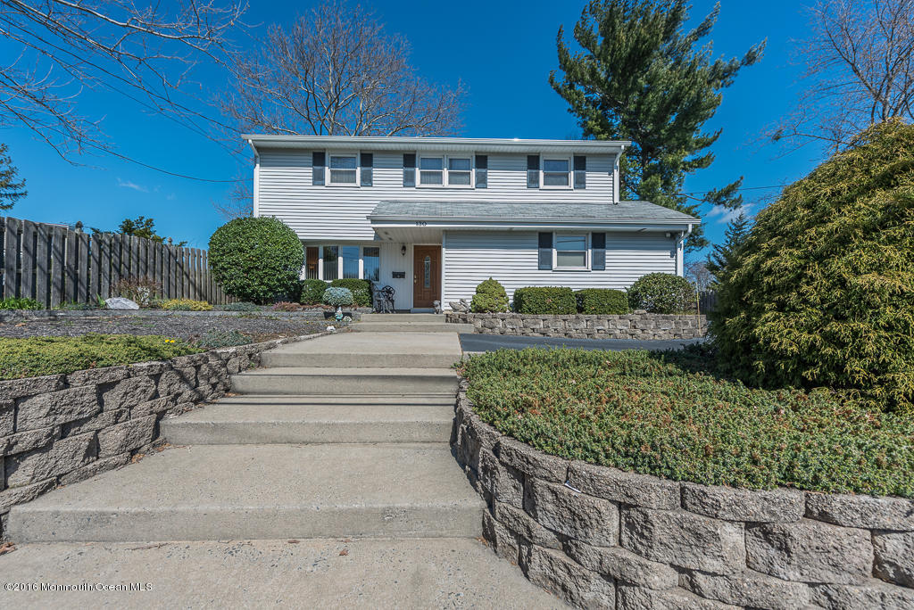 Photo of home for sale at 130 Bethany Road Road, Hazlet NJ