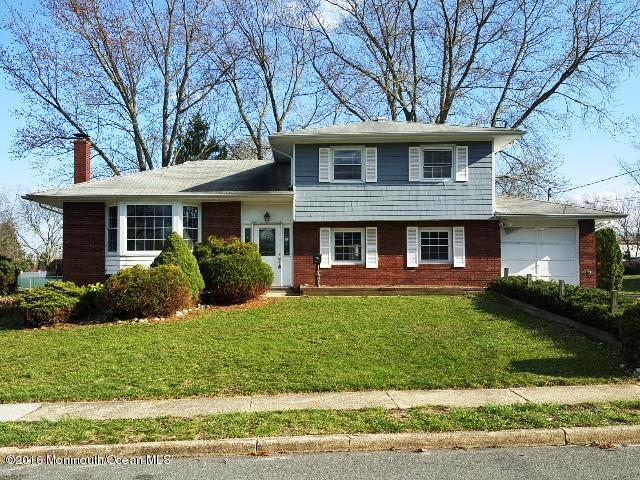 Photo of home for sale at 31 Springhill Drive Drive, Howell NJ