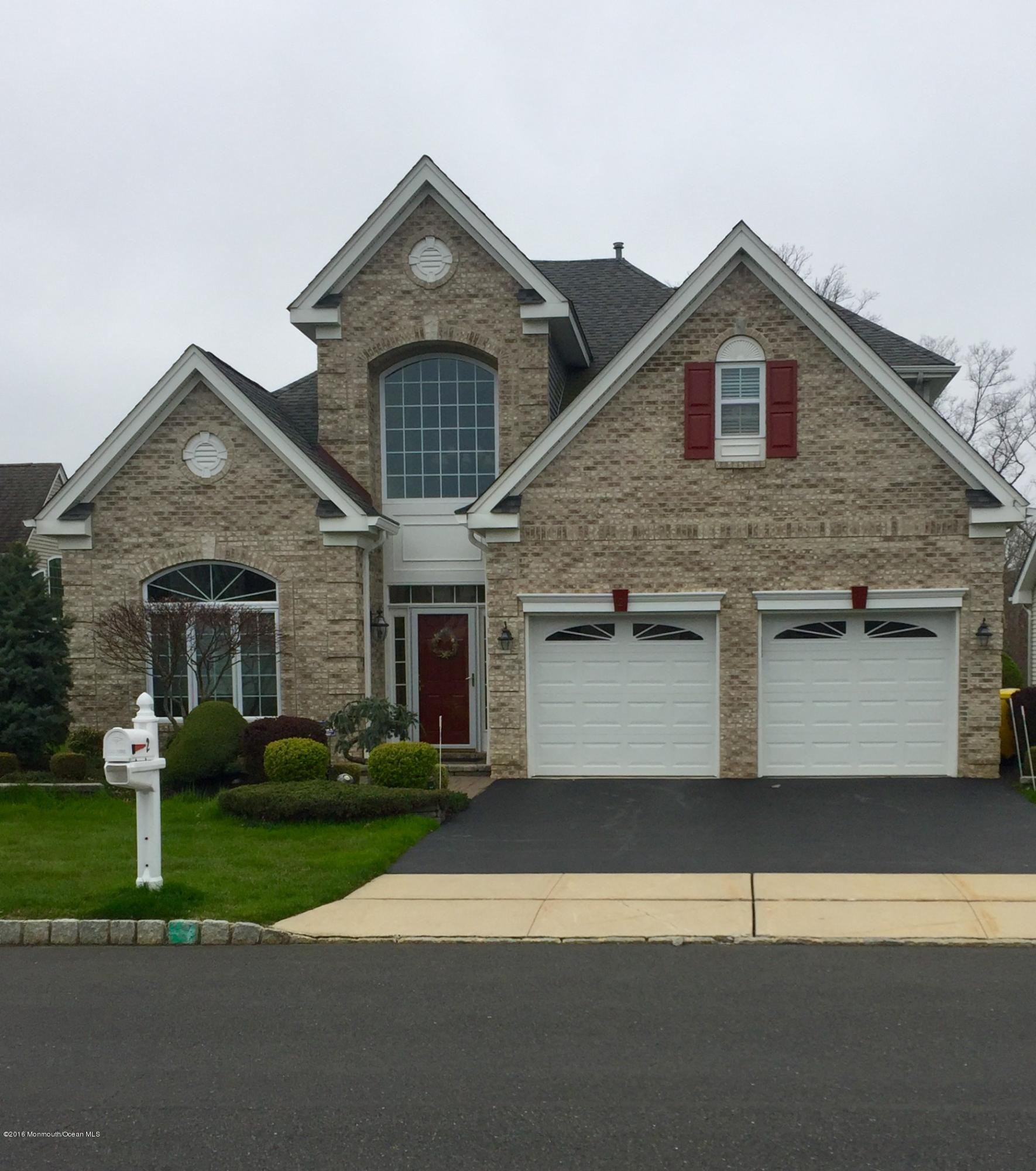 Photo of home for sale at 2 Bay Hill Road Road, Lakewood NJ