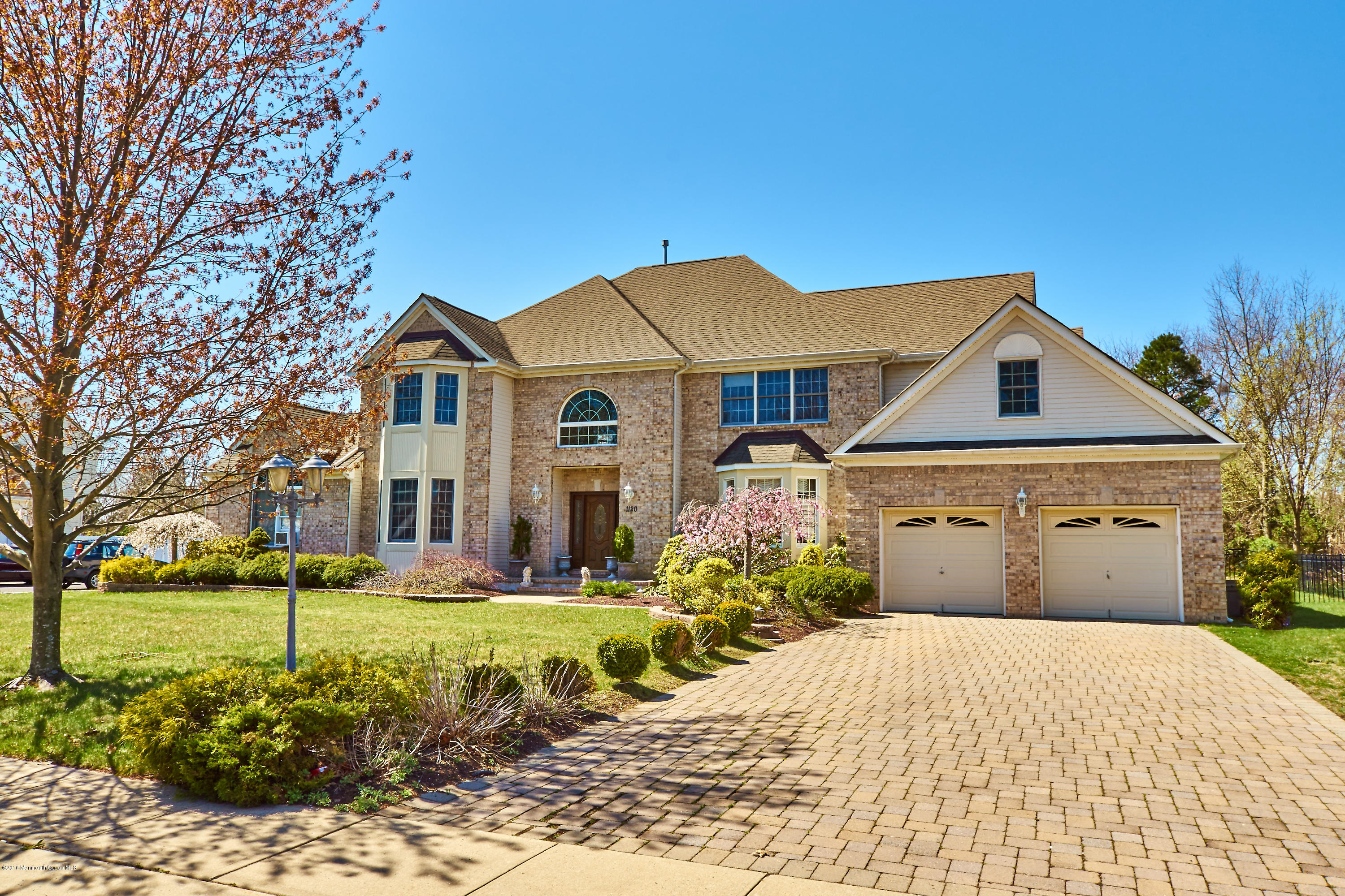 Photo of home for sale at 1120 Indian Hill Road Road, Toms River NJ