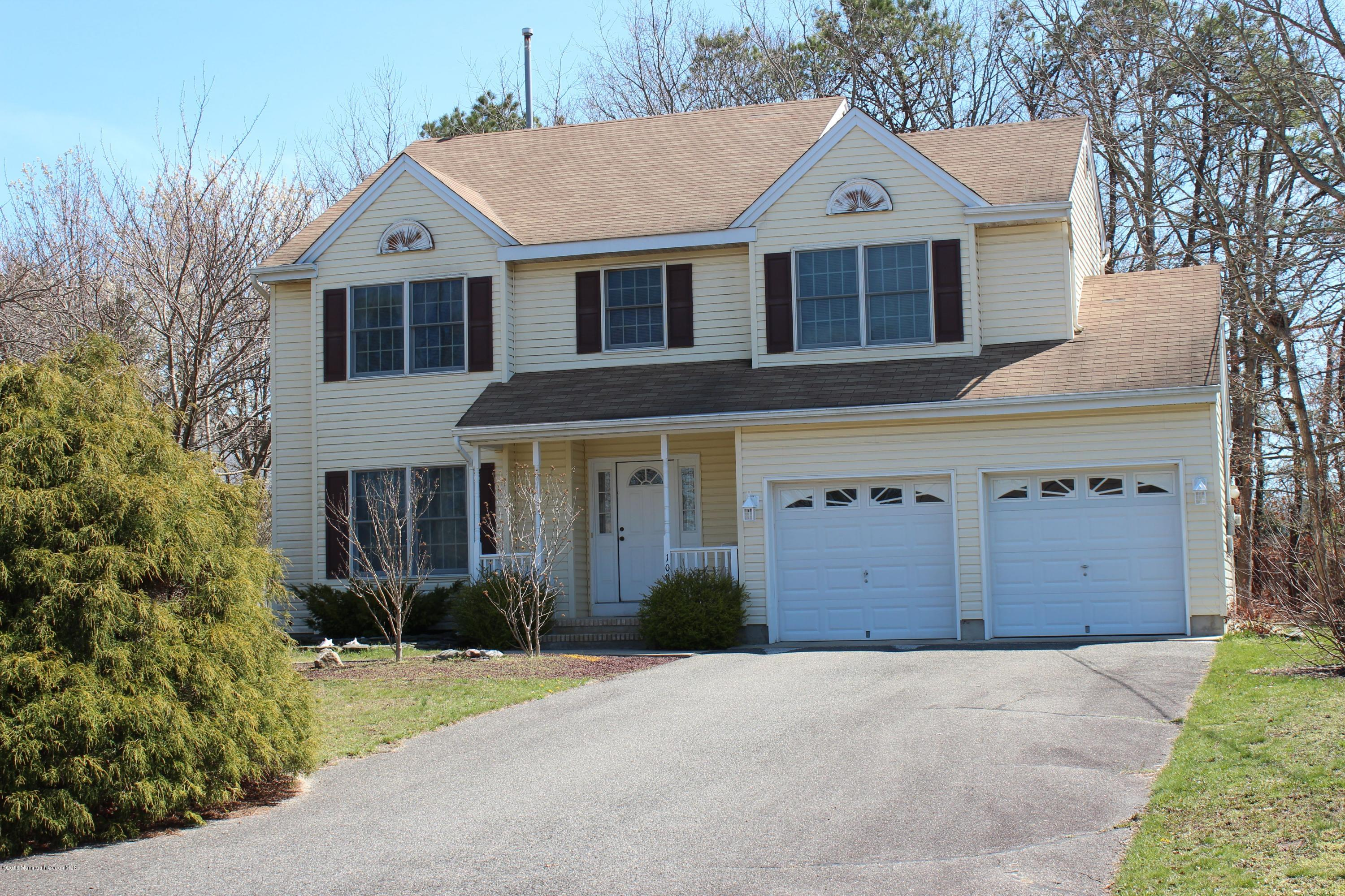 Photo of home for sale at 109 Crown Court Court, Manahawkin NJ