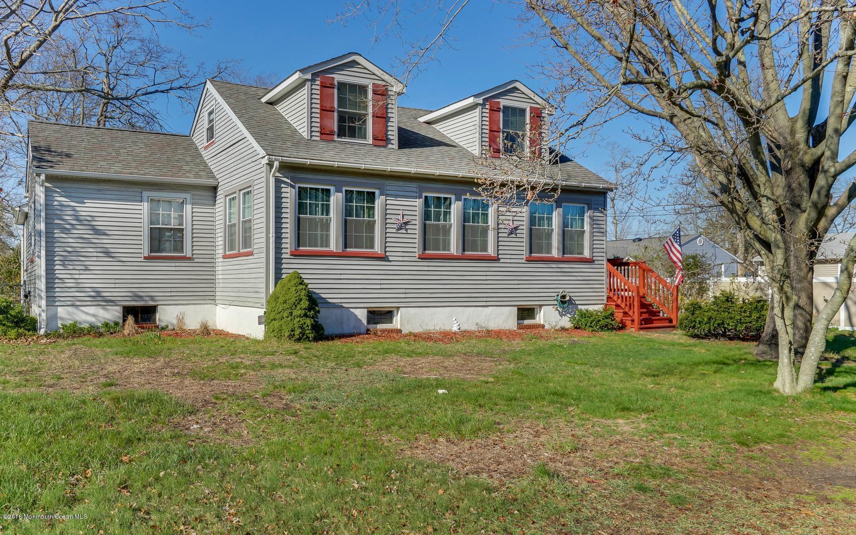 Photo of home for sale at 67 Chestnut Street Street, Beachwood NJ