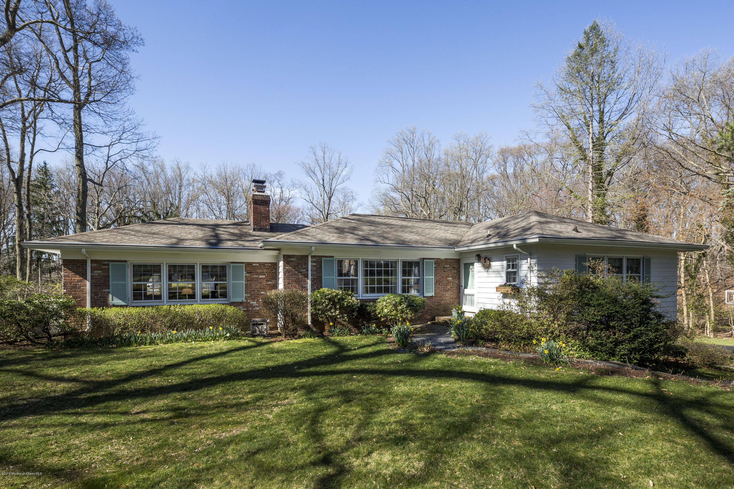 Photo of home for sale at 46 Bamm Hollow Road Road, Middletown NJ