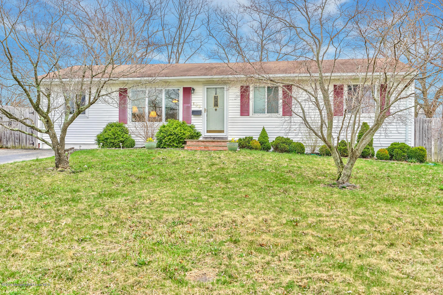 Photo of home for sale at 109 Pheasant Drive Drive, Bayville NJ