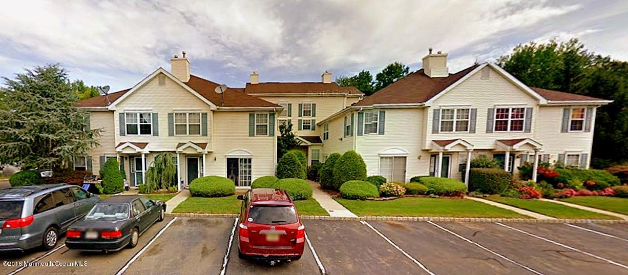 Photo of home for sale at 1081 Roseberry Court Court, Morganville NJ