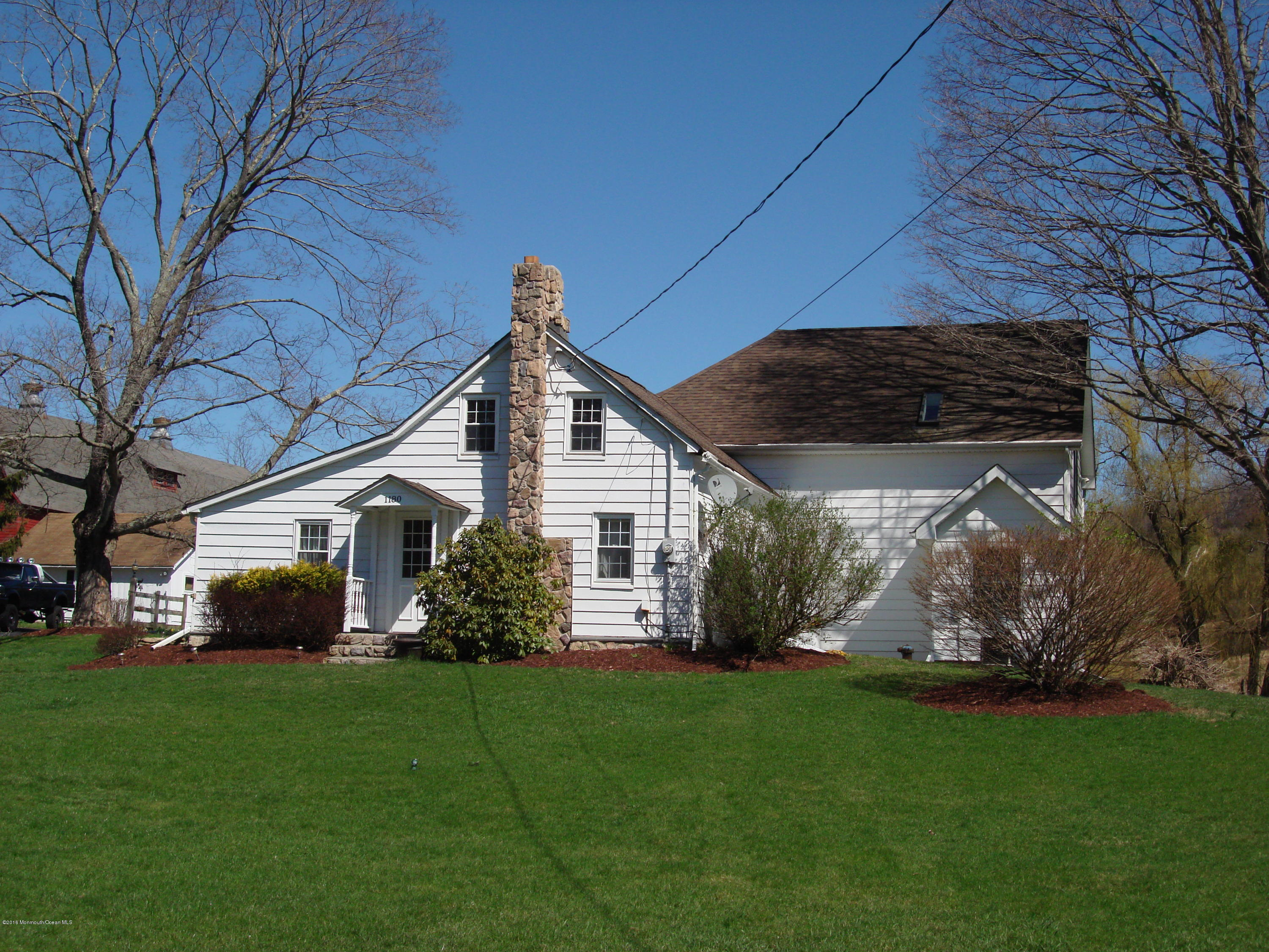 Photo of home for sale at 1180 County Road 519, Frelinghuysen NJ