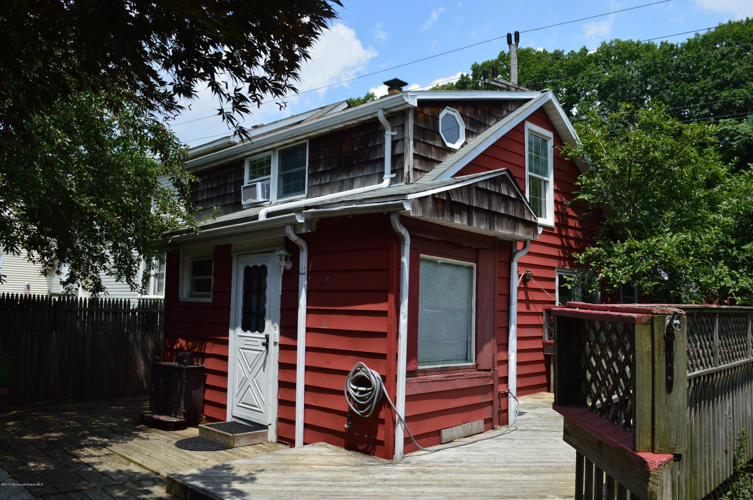 Photo of home for sale at 1126 Highway 36, Middletown NJ
