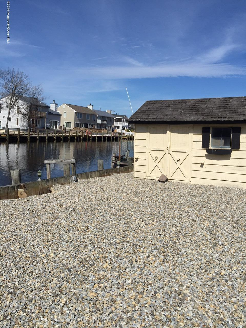 Photo of home for sale at 30 Carlyle Drive Drive, Bayville NJ