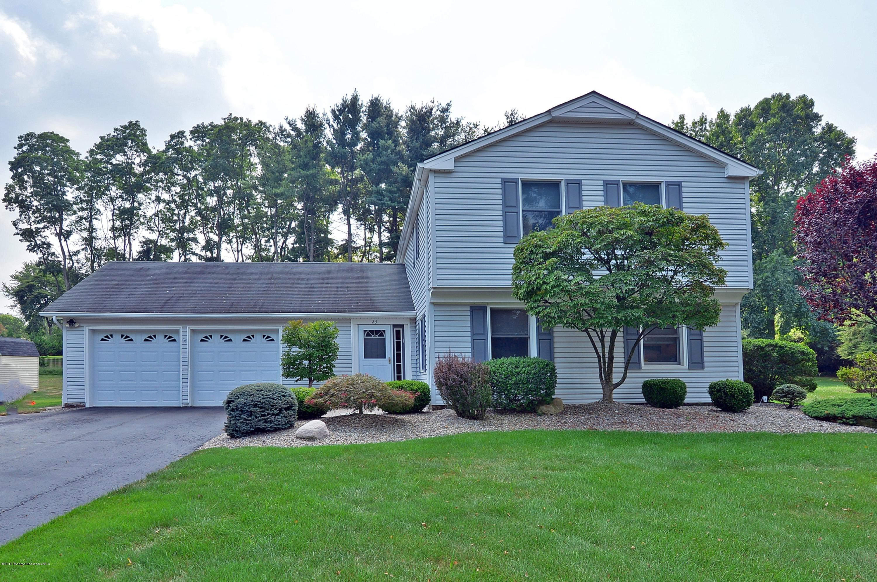 Photo of home for sale at 23 Hastings Road Road, Marlboro NJ
