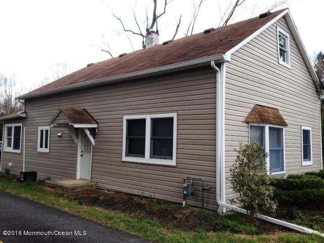Photo of home for sale at 149 Stagecoach Road Road, Clarksburg NJ
