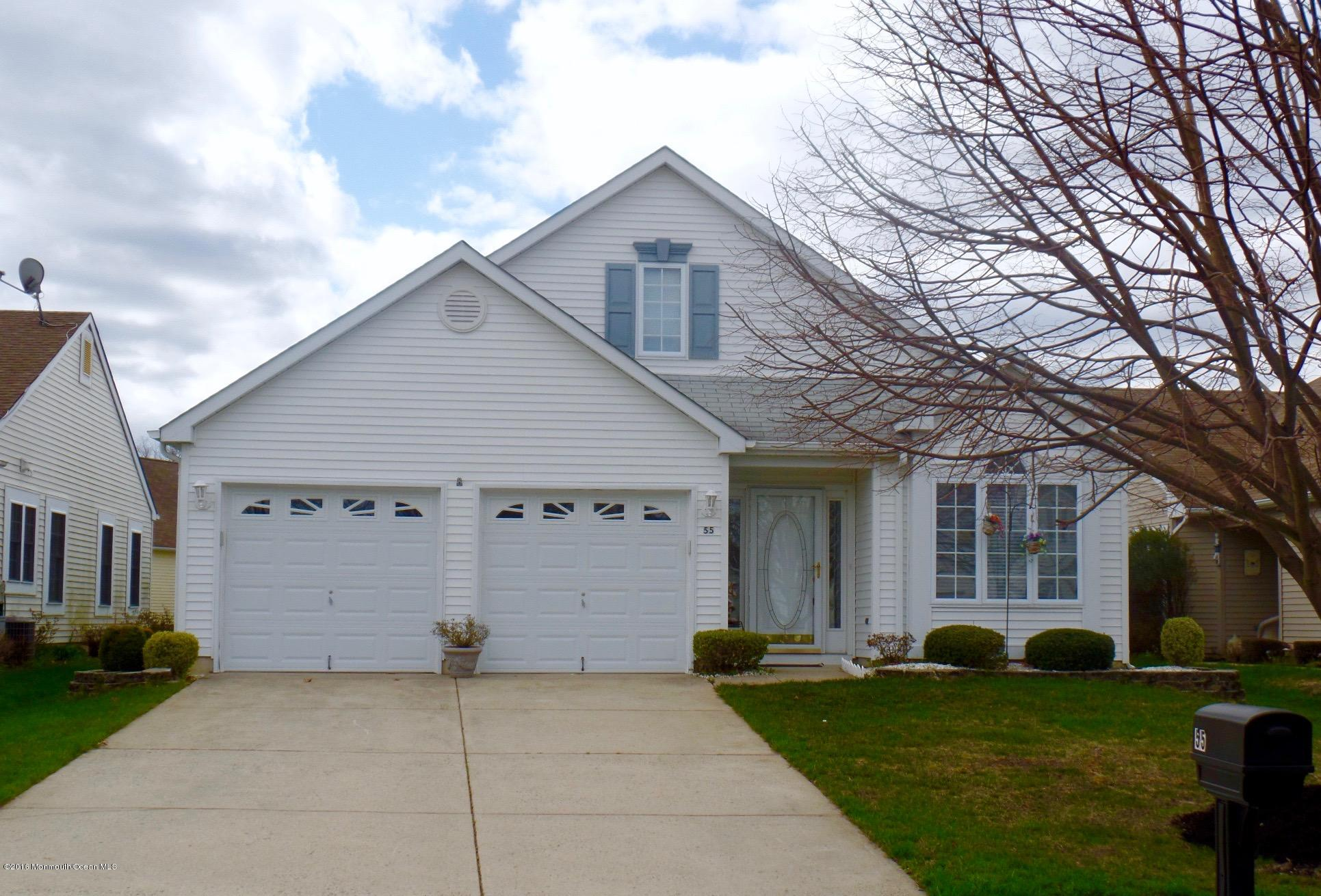 Photo of home for sale at 55 Dowing Lane Lane, Jackson NJ