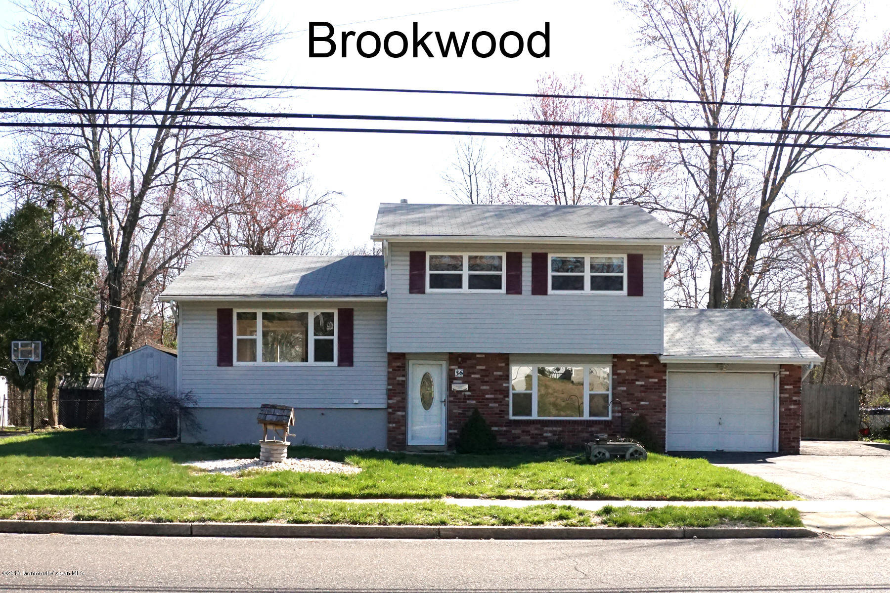 Photo of home for sale at 36 Brookwood Parkway Parkway, Jackson NJ