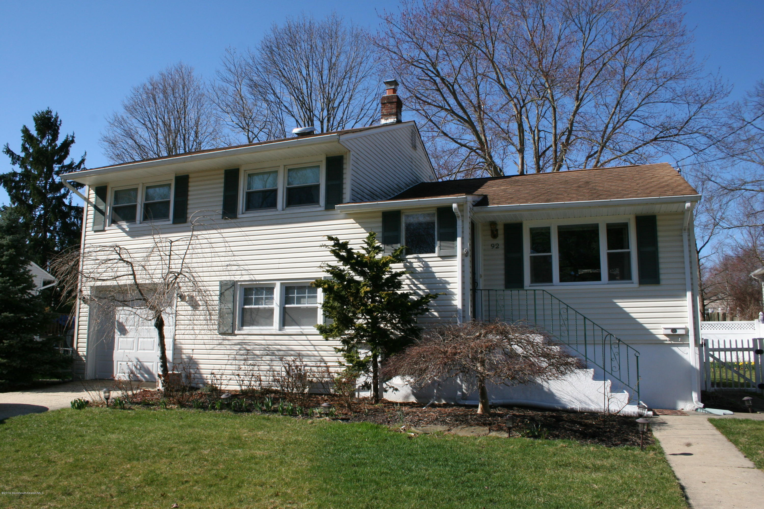 Photo of home for sale at 92 Linden Avenue Avenue, Red Bank NJ