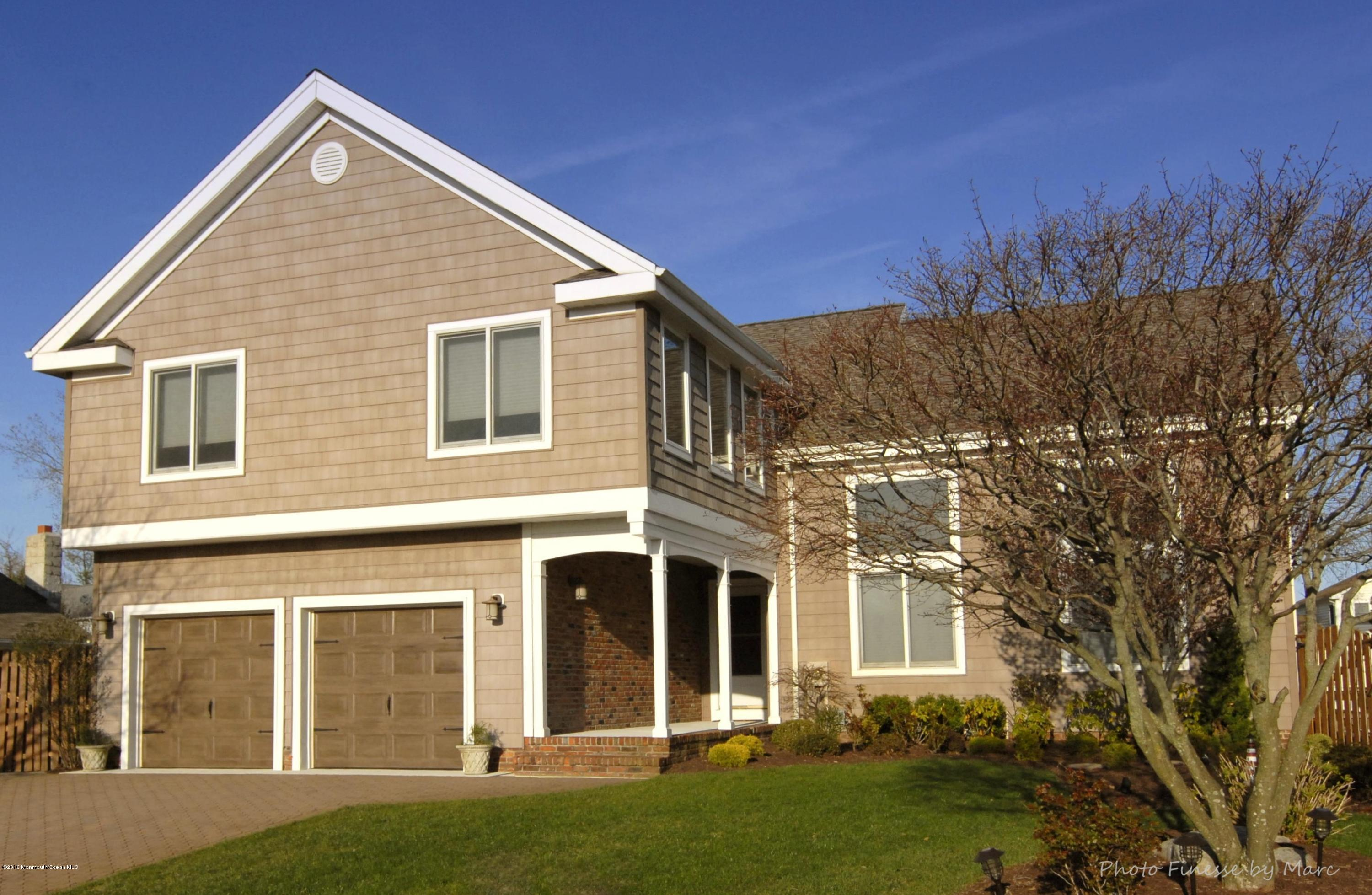 Photo of home for sale at 1508 Laguna Drive Drive, Point Pleasant NJ