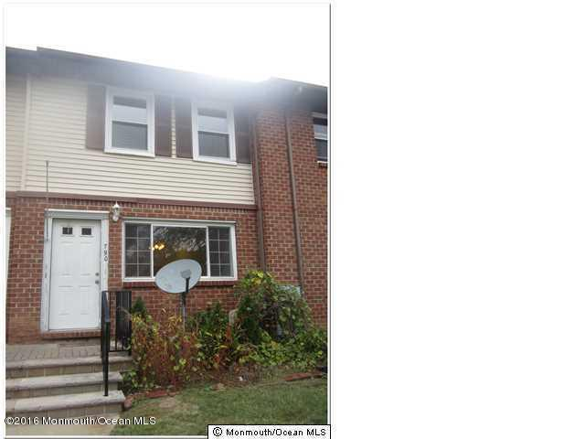 Photo of home for sale at 790 Jenny Court Court, Brick NJ