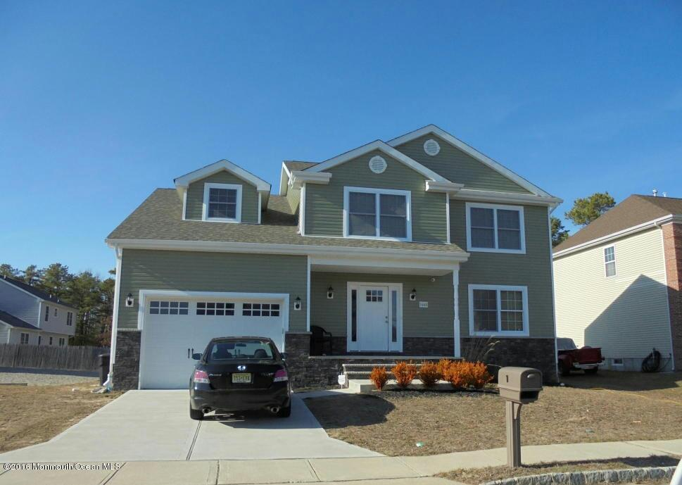 Photo of home for sale at 1448 F Street Street, Forked River NJ