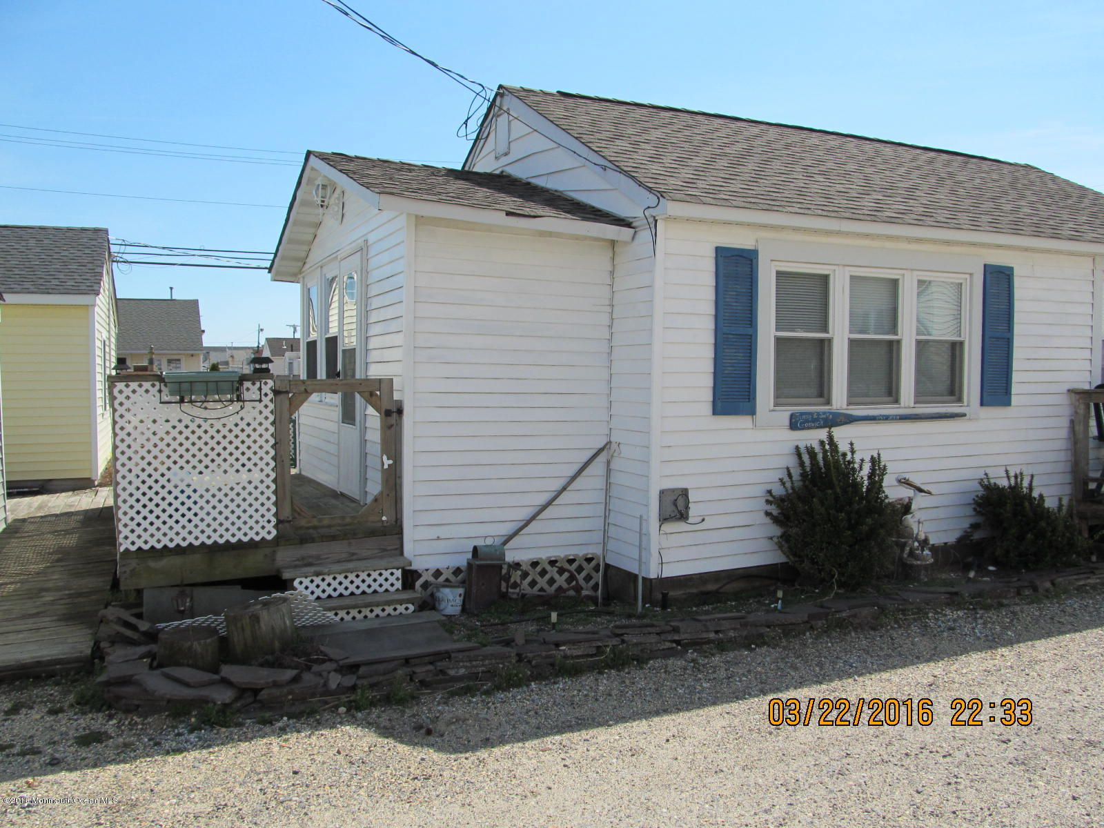 Photo of home for sale at 167 Central W, Seaside Park NJ
