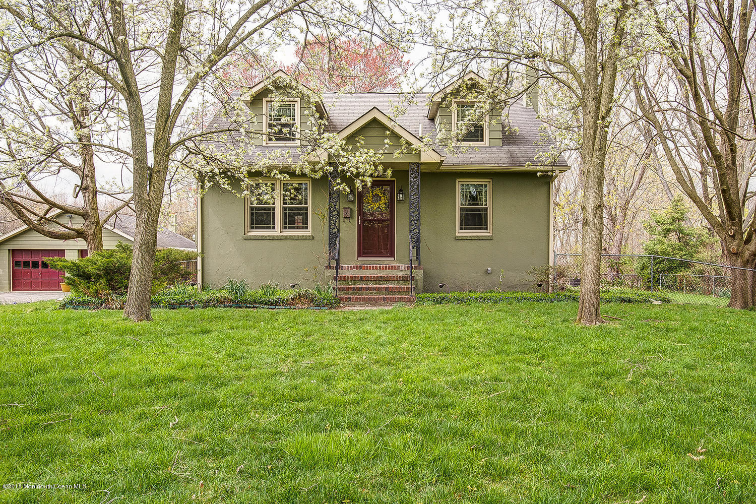 Photo of home for sale at 150 Dutch Neck Road Road, East Windsor NJ
