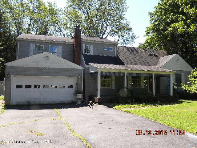 Photo of home for sale at 564 Herbert Lane Lane, Brick NJ