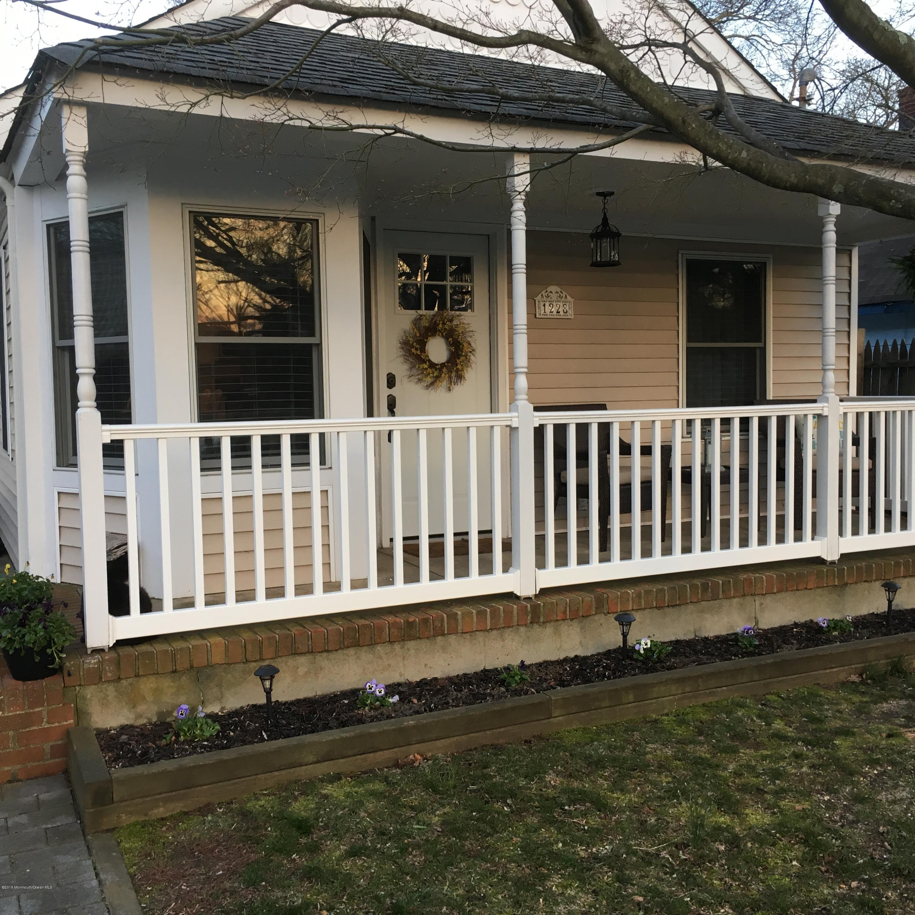 Photo of home for sale at 1228 Johnson Avenue Avenue, Point Pleasant NJ