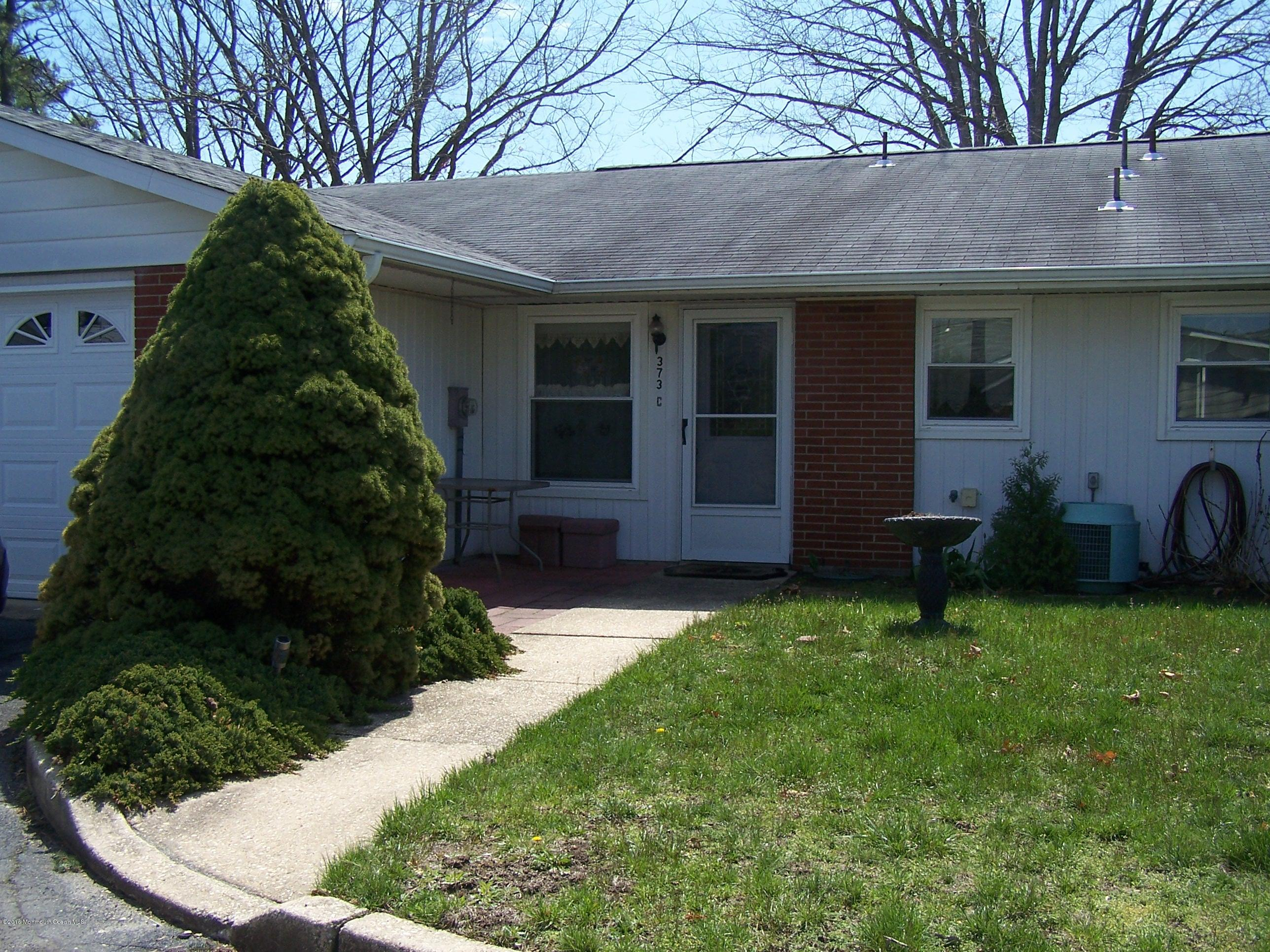 Photo of home for sale at 373c Chatham Court Court, Lakewood NJ