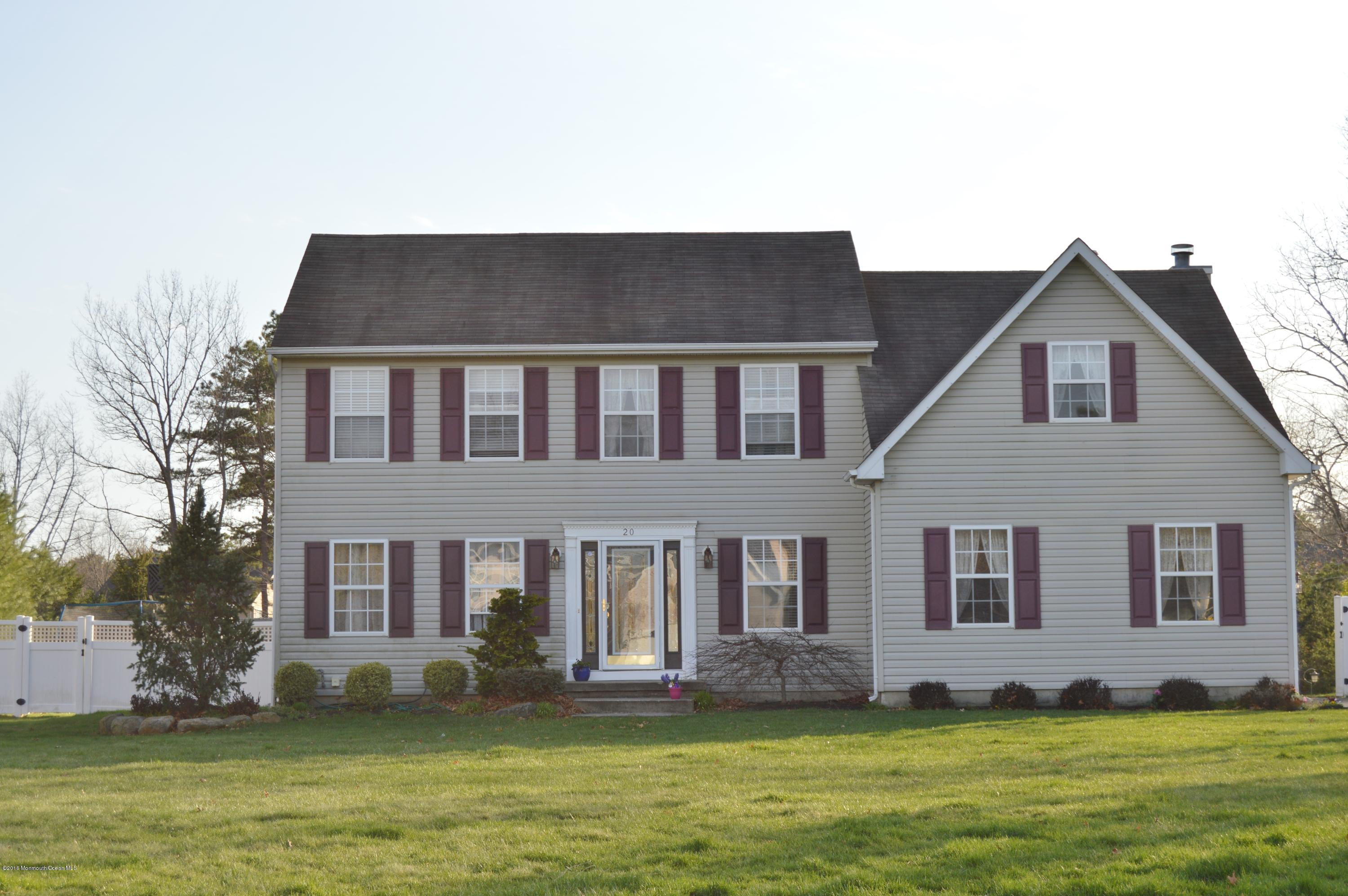 Photo of home for sale at 20 Melissa Lee Drive Drive, Jackson NJ