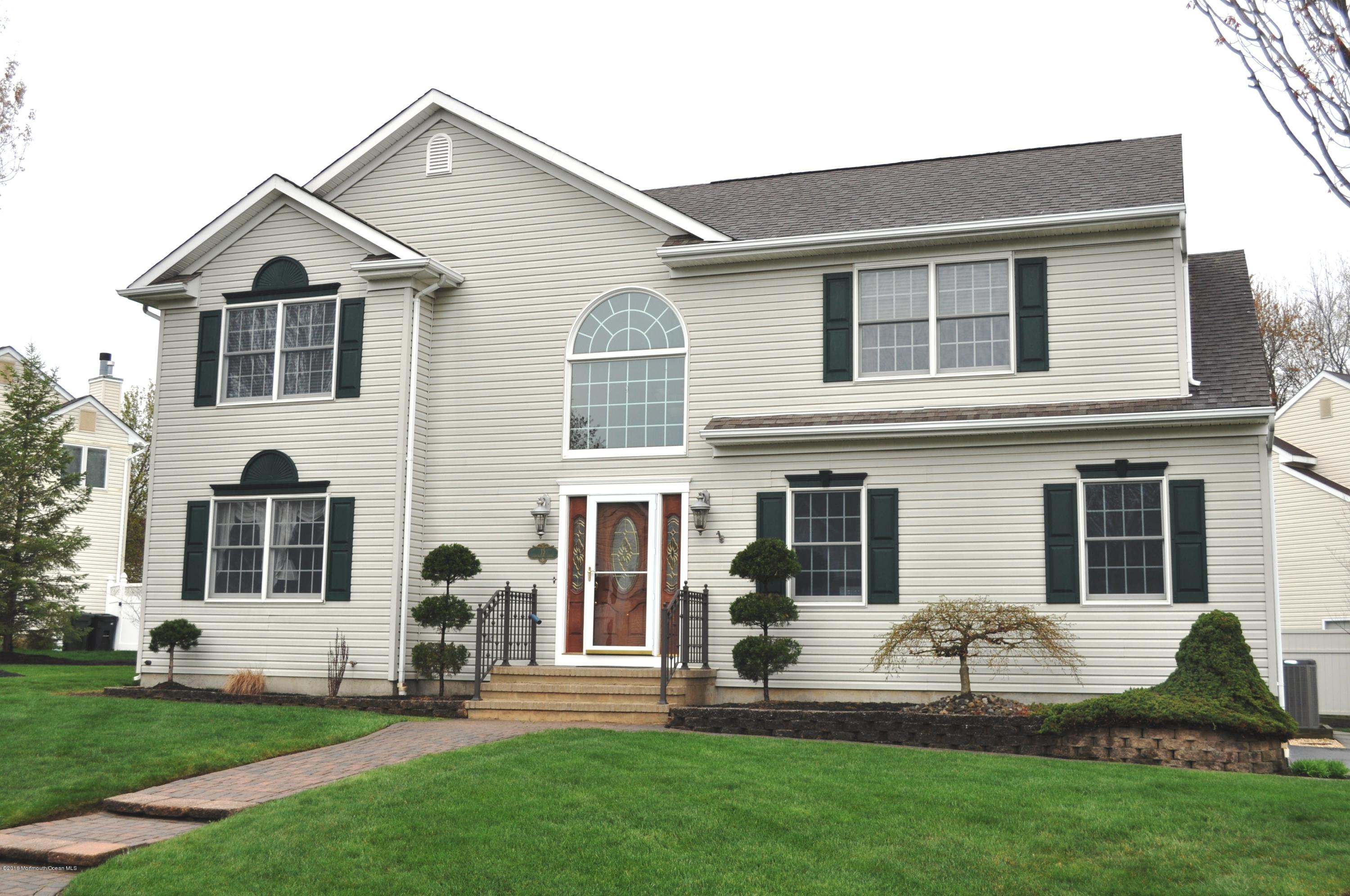 Photo of home for sale at 15 Carrington Court Court, Old Bridge NJ